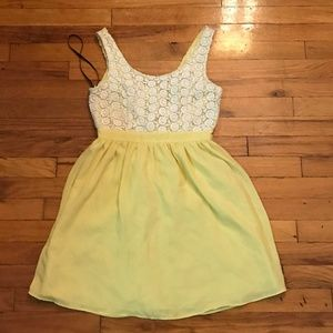 Forever 21 Yellow Floral Lace Summer Dress